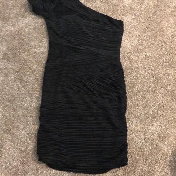 Arden B Dresses & Skirts - Arden B One Shoulder Black Mini Dress
